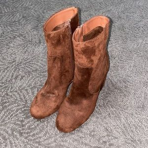 Chocolate Brown Boot with Heel